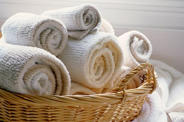 towels-rolled-up-590kb042210